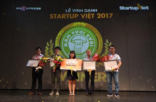 thu-vien-hinh-anh-nam-2017-Startup Viet 2020