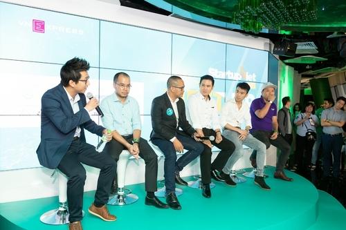 thu-vien-hinh-anh-nam-2018-Startup Viet 2020