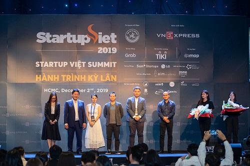 thu-vien-hinh-anh-nam-2019-Startup Viet 2020